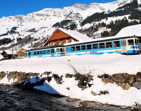 suiza-esquiar.jpg